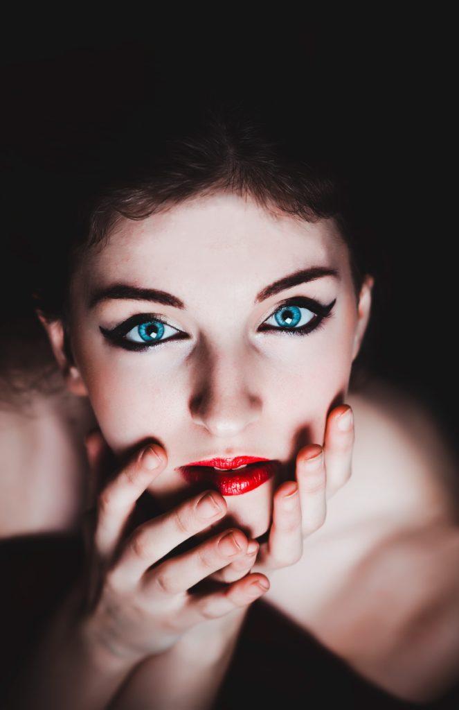 blue-eyes-237438 (1)